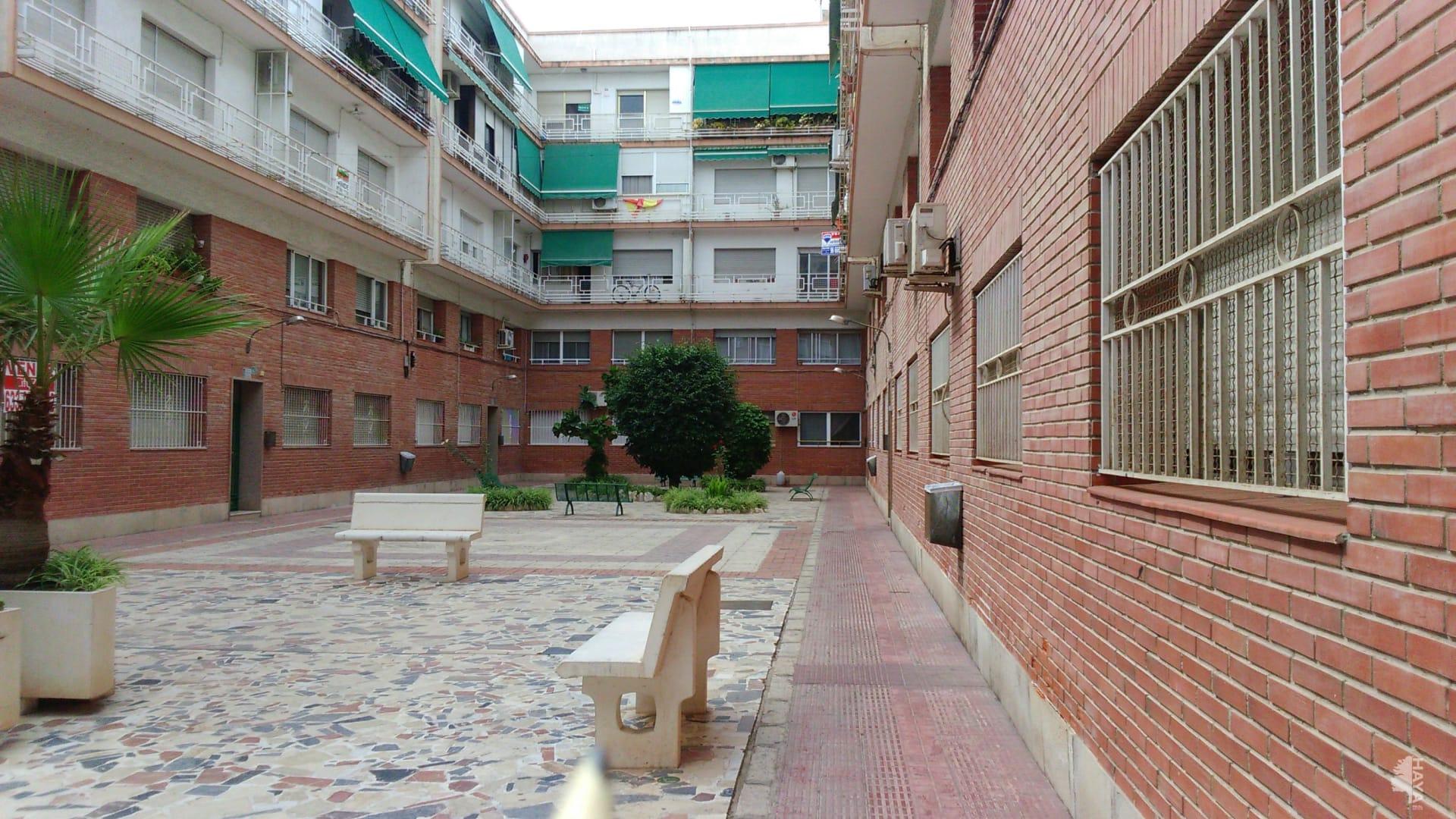 Piso en venta en Raval Roig, Alicante/alacant, Alicante, Calle Arquitecto Vidal, 79.500 €, 4 habitaciones, 2 baños, 85 m2