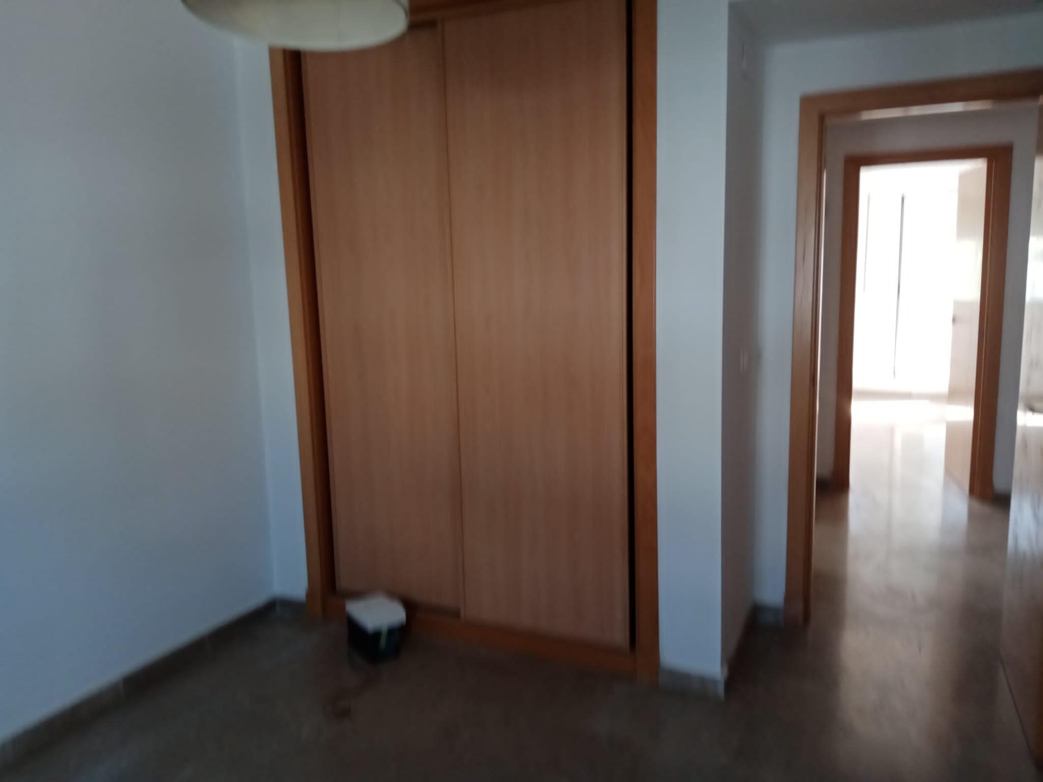 Piso en venta en Piso en Bollullos de la Mitación, Sevilla, 172.000 €, 4 habitaciones, 2 baños, 166 m2