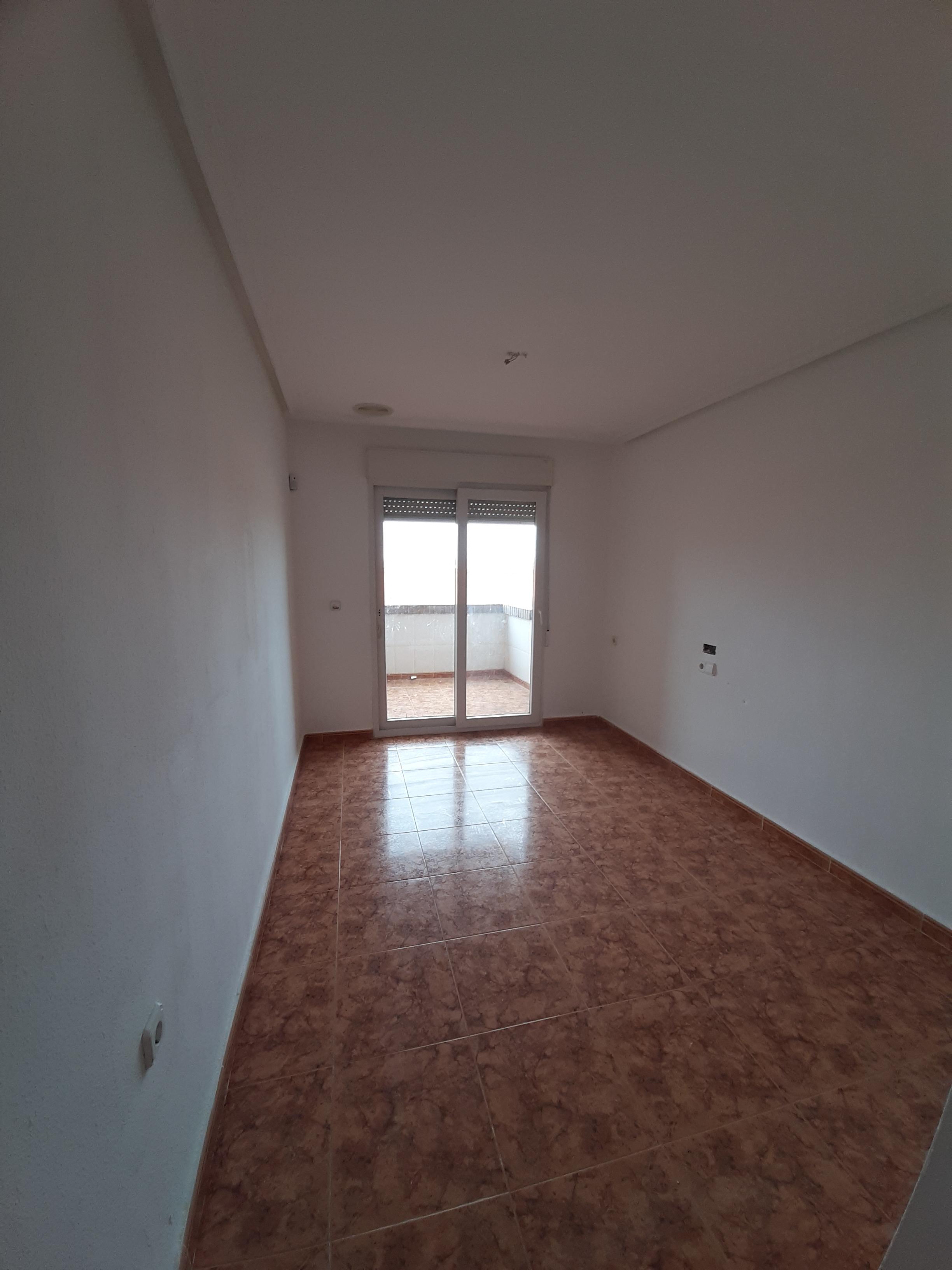 Piso en venta en Piso en Albatera, Alicante, 78.000 €, 3 habitaciones, 2 baños, 115 m2