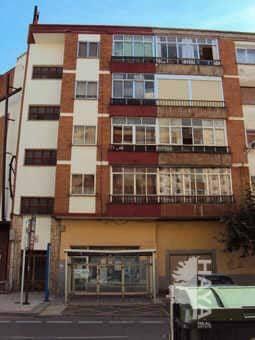 Piso en venta en Aranda de Duero, Burgos, Avenida Burgos, 61.000 €, 3 habitaciones, 1 baño, 91 m2