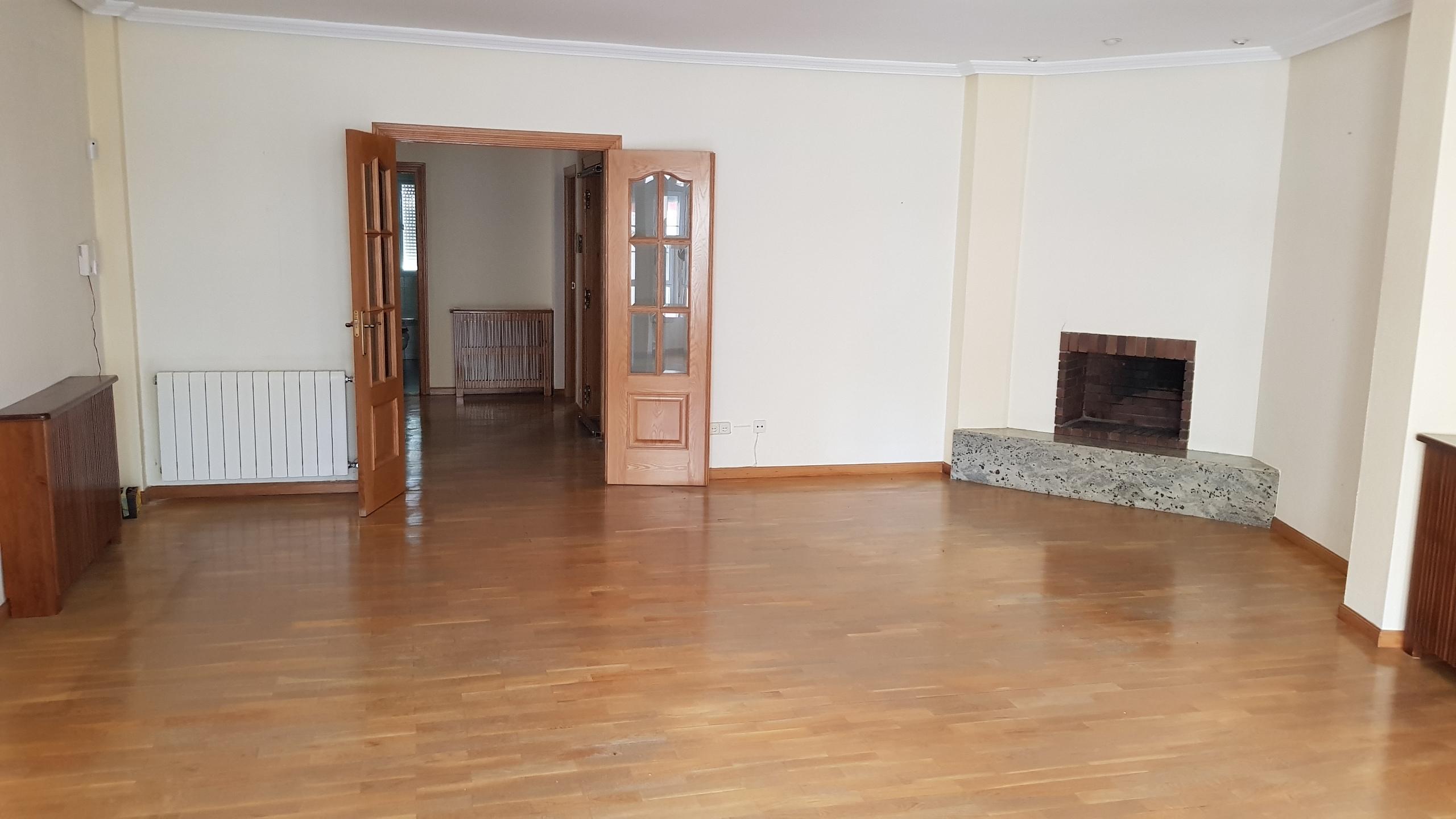 Piso en venta en Navalmoral de la Mata, Cáceres, Calle Rio Ebro, 148.000 €, 3 habitaciones, 2 baños, 159 m2