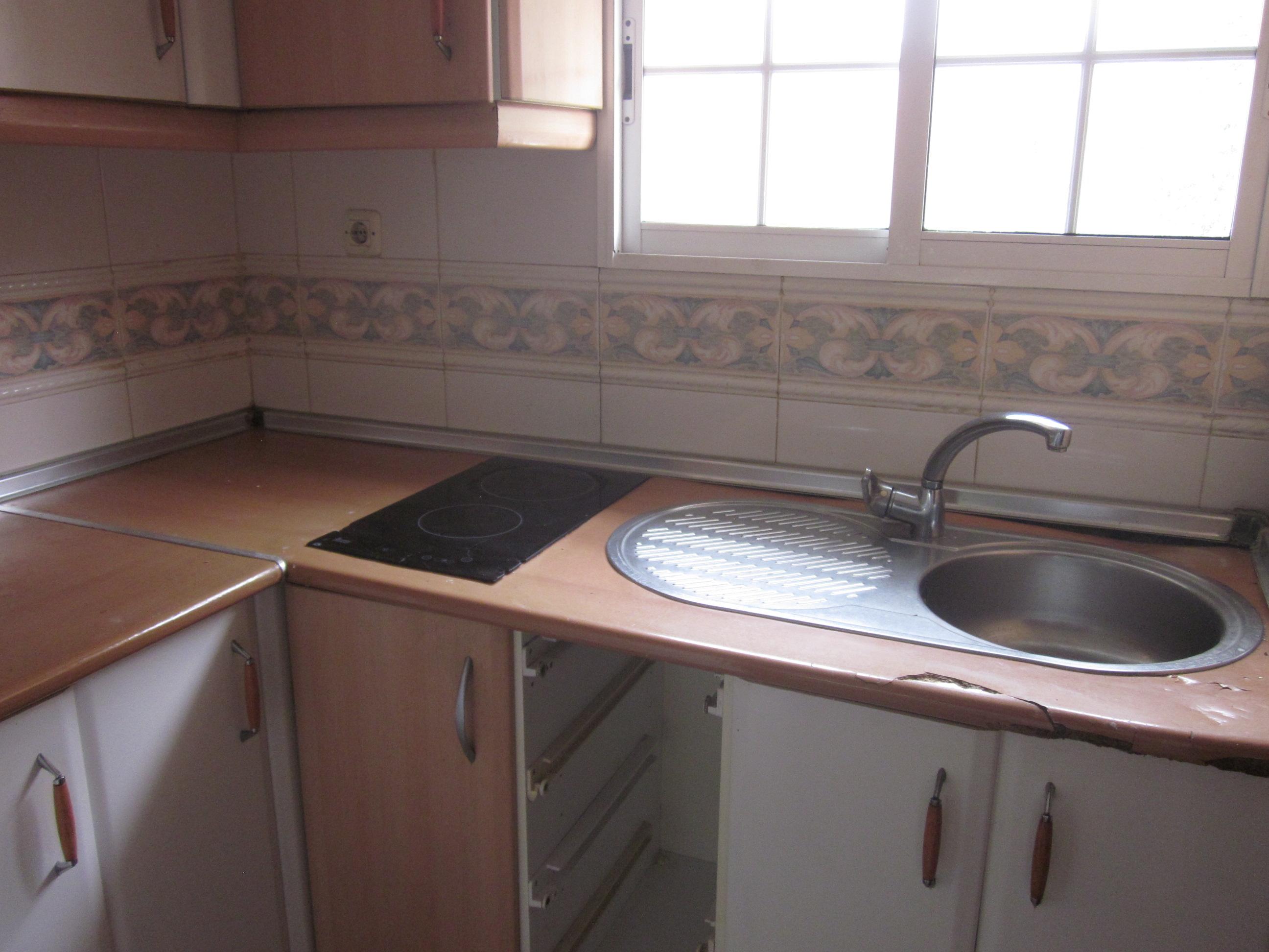 Piso en venta en Moratalaz, Madrid, Madrid, Calle Arroyo Fontarron, 125.000 €, 3 habitaciones, 1 baño, 61 m2