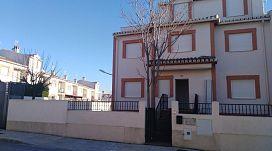Casa en venta en Urbanización Señorío del Cubillas, Atarfe, Granada, Calle Diego El Cantaor, 194.800 €, 6 habitaciones, 4 baños, 399 m2