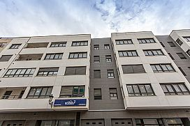 Piso en venta en Urb. Casa Blanca, Requena, Valencia, Calle de Ramón Y Cajal, 95.500 €, 115 m2
