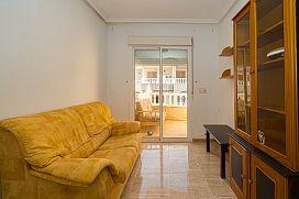 Piso en venta en Piso en Torrevieja, Alicante, 54.000 €, 2 habitaciones, 1 baño, 67 m2