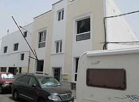 Piso en venta en Titerroy, Arrecife, Las Palmas, Calle Tenique, 66.900 €, 2 habitaciones, 1 baño, 65 m2