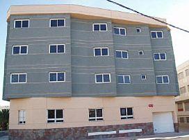 Piso en venta en Santa Lucía de Tirajana, Las Palmas, Pasaje 8 de Marzo, 84.550 €, 2 habitaciones, 1 baño, 88 m2