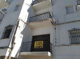 Piso en venta en Benaocaz, Cádiz, Calle Fray Domingo de Benaocaz Edif.zaida, 41.100 €, 3 habitaciones, 1 baño, 76 m2