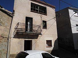 Casa en venta en Els Alamús, Els Alamús, Lleida, Calle Mayor, 27.600 €, 4 habitaciones, 1 baño, 300 m2