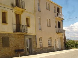 Piso en venta en Piso en Agramunt, Lleida, 28.400 €, 2 habitaciones, 1 baño, 64 m2