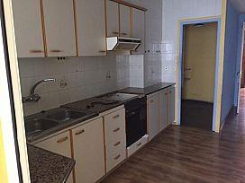 Piso en venta en Piso en Casserres, Barcelona, 39.500 €, 2 habitaciones, 1 baño, 82 m2