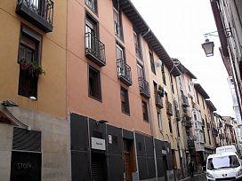 Piso en venta en Alde Zaharra/casco Viejo, Vitoria-gasteiz, Álava, Calle Santo Domingo, 69.200 €, 1 habitación, 1 baño, 77 m2