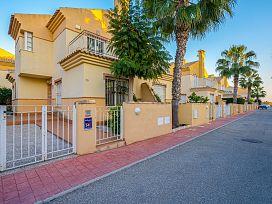 Casa en venta en Ciudad Quesada, Rojales, Alicante, Urbanización Residencial Amaro, 128.300 €, 3 habitaciones, 1 baño, 88 m2