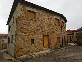 Casa en venta en Casa en Castrillo de la Reina, Burgos, 40.000 €, 2 habitaciones, 1 baño, 277 m2