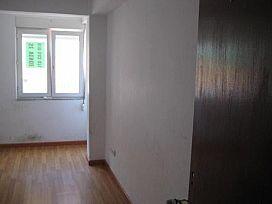 Piso en venta en Piso en Torrelavega, Cantabria, 40.000 €, 2 habitaciones, 1 baño, 77 m2