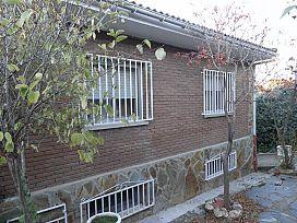 Casa en venta en Casa en Valdeaveruelo, Guadalajara, 165.000 €, 7 habitaciones, 2 baños, 275 m2