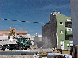 Piso en venta en Piso en Puerto del Rosario, Las Palmas, 80.800 €, 3 habitaciones, 2 baños, 95 m2