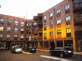 Piso en venta en Piso en León, León, 40.400 €, 3 habitaciones, 1 baño, 104 m2