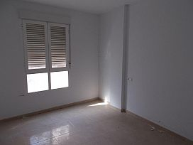 Piso en venta en Piso en Lorca, Murcia, 75.000 €, 3 habitaciones, 1 baño, 111 m2