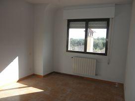 Piso en venta en Piso en Prádena, Segovia, 69.200 €, 5 habitaciones, 2 baños, 183 m2
