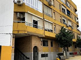 Piso en venta en Piso en San Juan de Aznalfarache, Sevilla, 40.000 €, 3 habitaciones, 1 baño, 81 m2