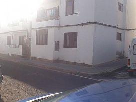 Piso en venta en Parque Maneje, Arrecife, Las Palmas, Calle Tindaya, 60.400 €, 3 habitaciones, 1 baño, 91 m2