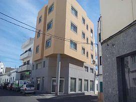 Local en venta en Arrecife, Las Palmas, Calle Perez Galdos, 95.800 €, 127 m2