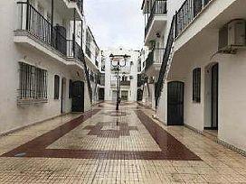 Piso en venta en Gibraleón, Huelva, Calle Cervantes, 69.100 €, 3 habitaciones, 2 baños, 121 m2