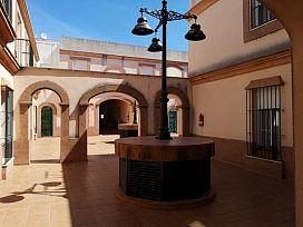 Casa en venta en Casa en Gerena, Sevilla, 104.000 €, 4 habitaciones, 1 baño, 162 m2, Garaje