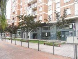 Local en venta en Local en Barañain, Navarra, 199.000 €, 243 m2