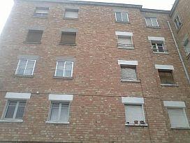 Piso en venta en Cervera, Lleida, Calle Estadi, 37.500 €, 3 habitaciones, 106 m2
