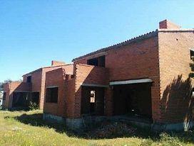 Edificio en venta en Edificio en Carrascal de Barregas, Salamanca, 390.000 €, 2723 m2