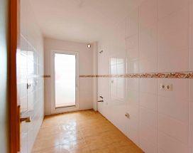Piso en venta en Piso en Roquetas de Mar, Almería, 31.700 €, 2 habitaciones, 1 baño, 78 m2, Garaje