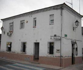 Piso en venta en Piso en Villa del Prado, Madrid, 45.200 €, 3 habitaciones, 1 baño, 81 m2