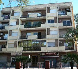 Piso en venta en La Pobla Llarga, la Pobla Llarga, Valencia, Avenida de Valencia, 25.600 €, 4 habitaciones, 1 baño, 114 m2