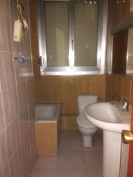 Piso en venta en Piso en Logroño, La Rioja, 54.000 €, 3 habitaciones, 1 baño, 78 m2