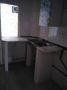 Piso en venta en Piso en Castellón de la Plana/castelló de la Plana, Castellón, 30.400 €, 3 habitaciones, 1 baño, 74 m2