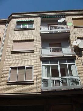 Piso en venta en Piso en Logroño, La Rioja, 67.000 €, 4 habitaciones, 1 baño, 120 m2
