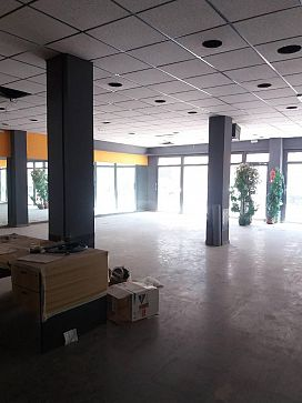 Local en venta en Local en Móstoles, Madrid, 186.000 €, 186 m2