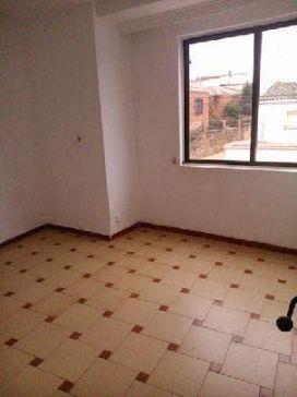 Piso en venta en Piso en Saelices, Cuenca, 33.300 €, 3 habitaciones, 3 baños, 288 m2