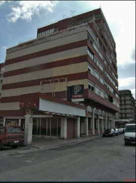 Piso en venta en Piso en Figueres, Girona, 100.000 €, 3 habitaciones, 1 baño, 134 m2
