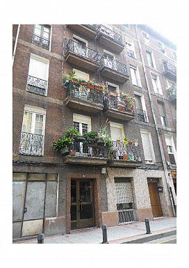 Piso en venta en Piso en Sestao, Vizcaya, 81.400 €, 3 habitaciones, 1 baño, 85 m2