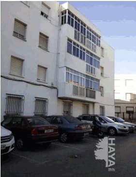 Piso en venta en Chiclana de la Frontera, Cádiz, Urbanización C.r. la Pedrera, 52.000 €, 3 habitaciones, 1 baño, 77 m2