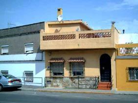 Casa en venta en Algeciras, Cádiz, Calle Andalucía-, 109.200 €, 3 habitaciones, 2 baños, 144 m2