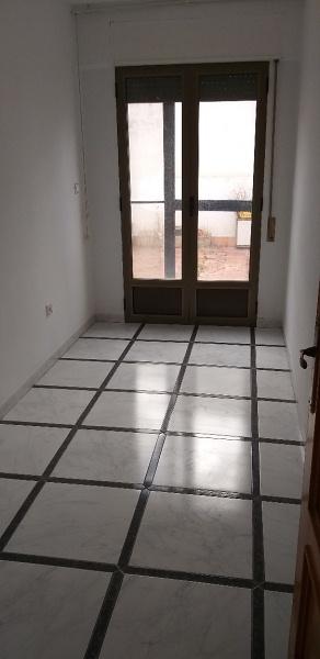 Piso en venta en Piso en Alloza, Teruel, 58.000 €, 6 habitaciones, 2 baños, 119 m2