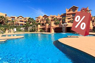 Piso en venta en Estepona, Málaga, Urbanización Sotoserena, 210.000 €, 2 baños, 148 m2