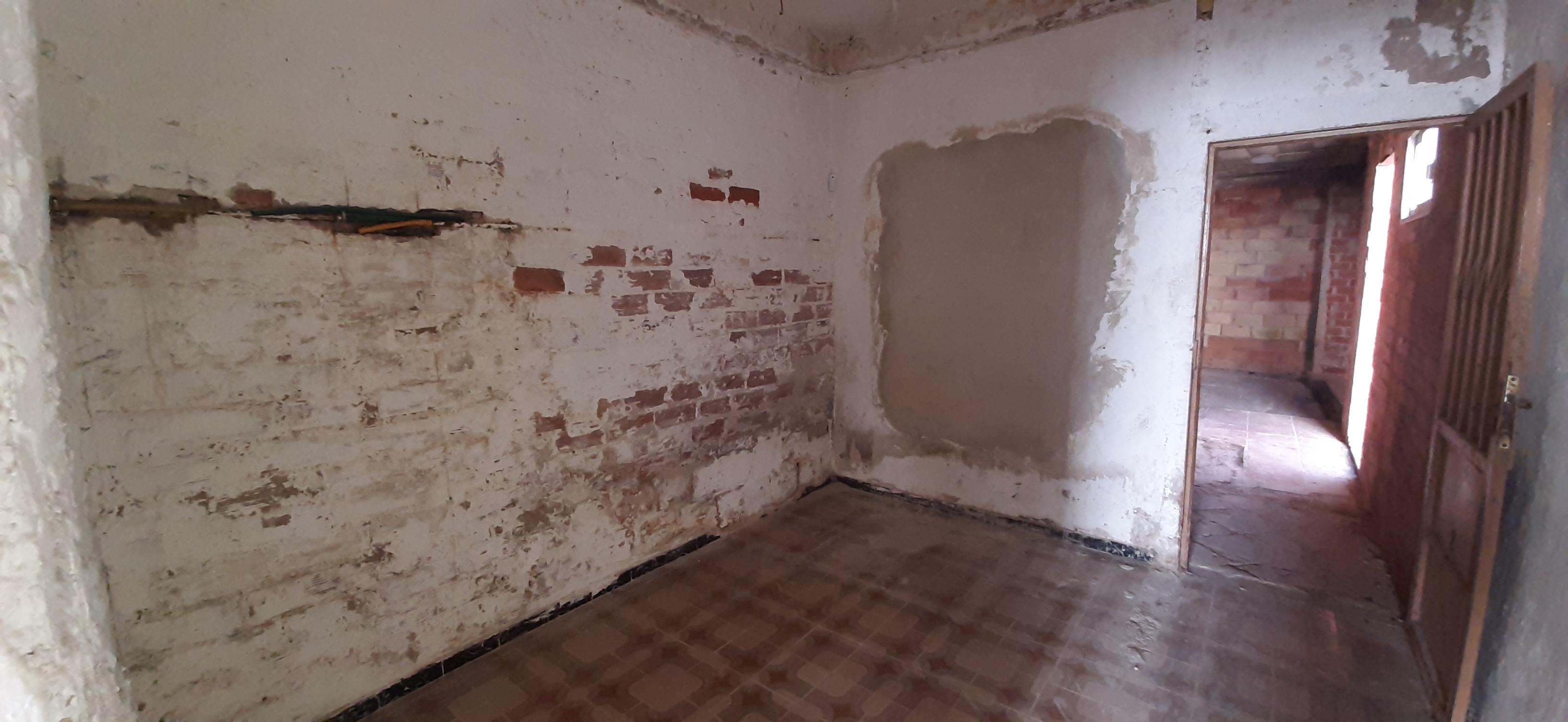 Piso en venta en Piso en Vila-real, Castellón, 50.000 €, 2 habitaciones, 1 baño, 71 m2
