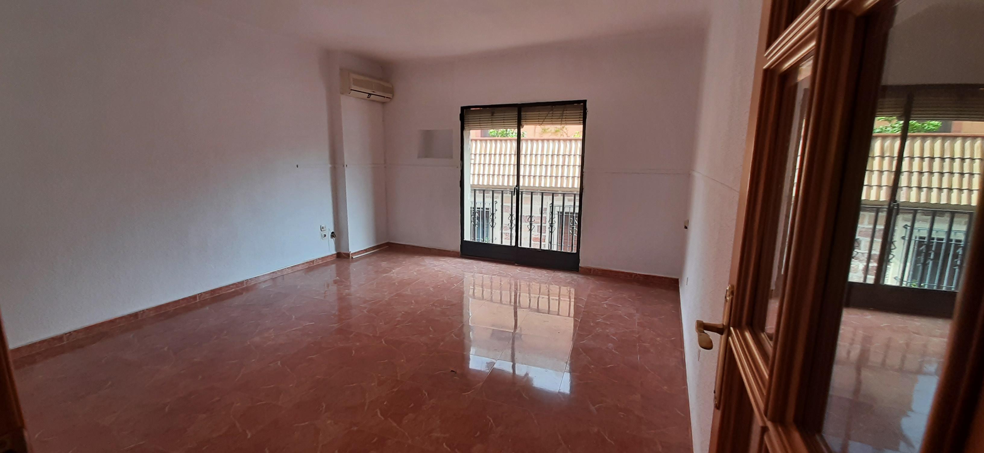Piso en venta en Bailén, Jaén, Calle Isabel la Catolica, 50.000 €, 4 habitaciones, 2 baños, 104 m2