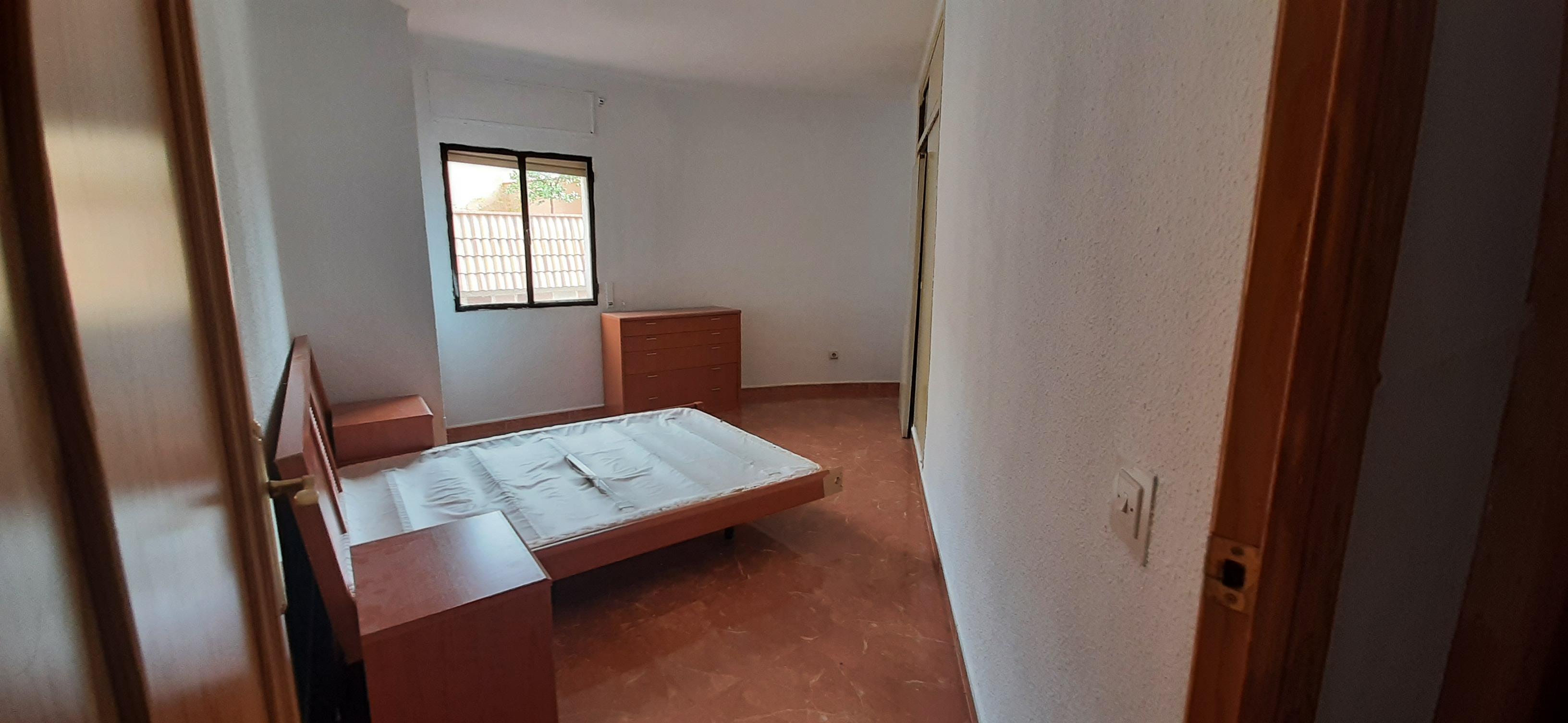 Piso en venta en Piso en Bailén, Jaén, 50.000 €, 4 habitaciones, 2 baños, 104 m2