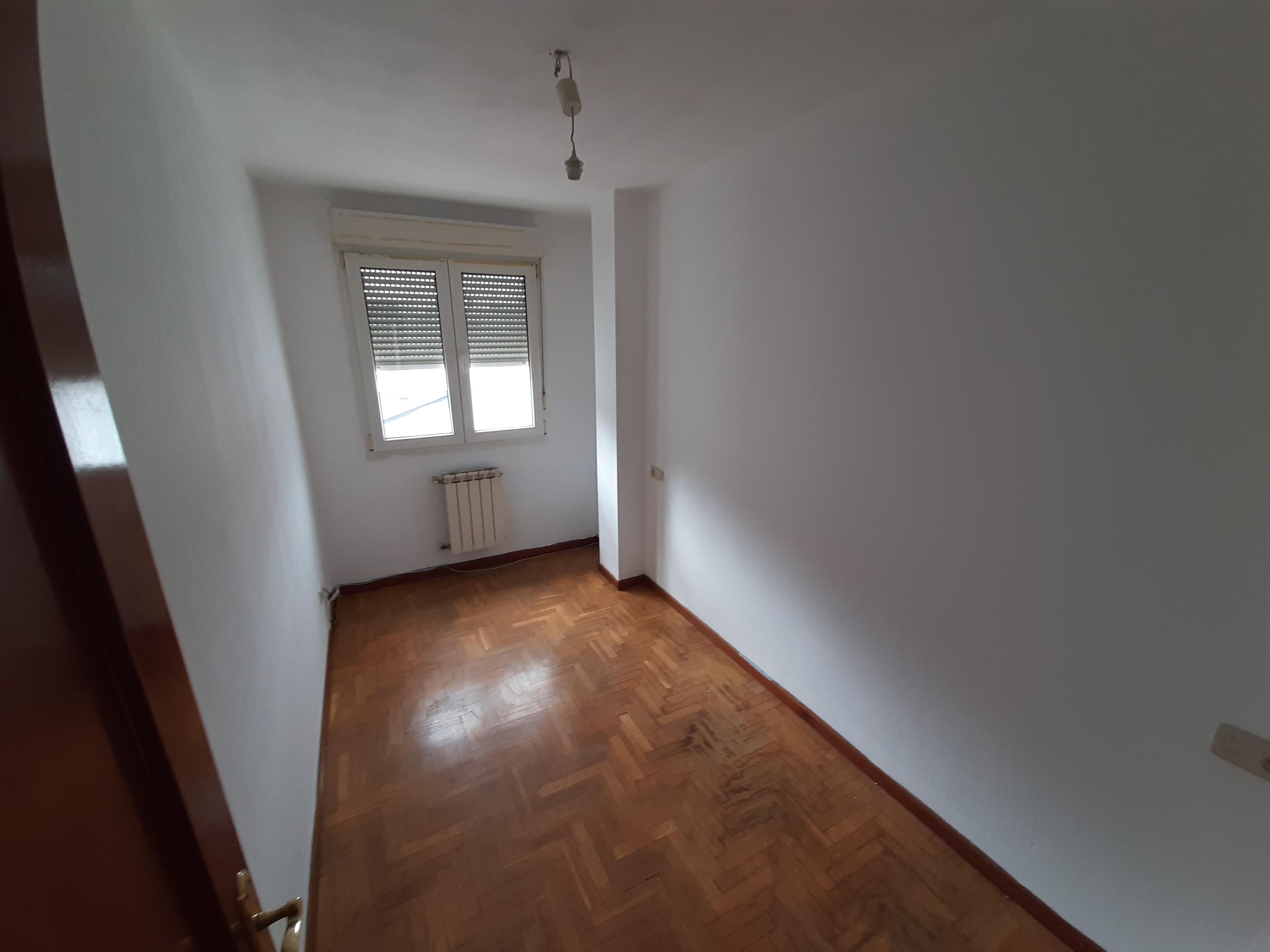 Piso en venta en Piso en Siero, Asturias, 150.500 €, 3 habitaciones, 2 baños, 97 m2, Garaje